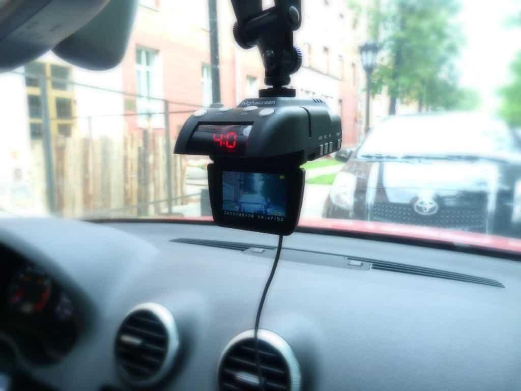 Sokszor hasznos a fedélzeti kamera autóba
